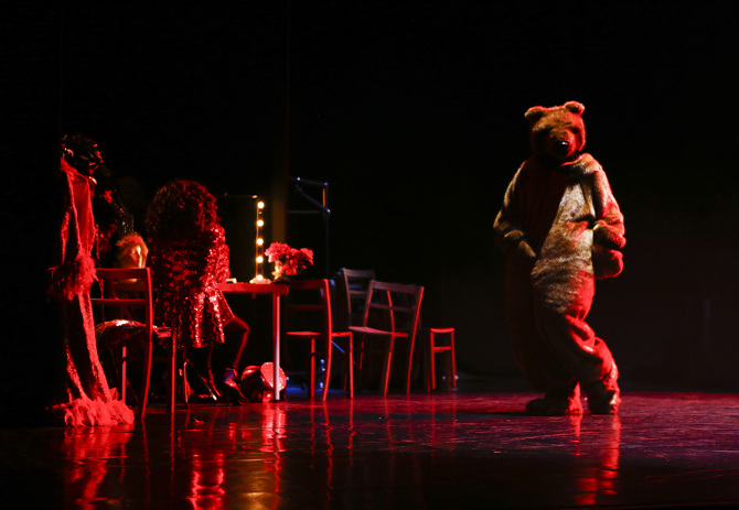 dancingbear live show
